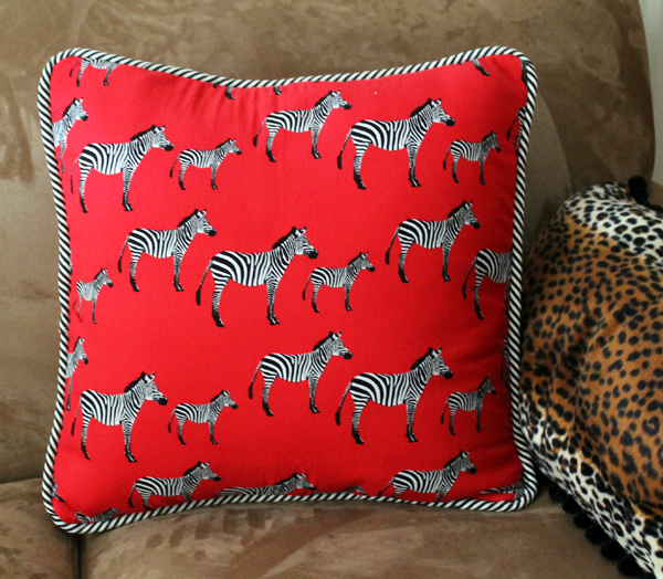 Another cool and funky pillow DIY!